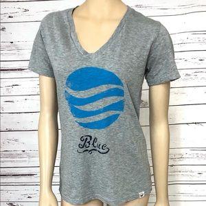 United By Blue Gray and Blue Logo TShirt Medium